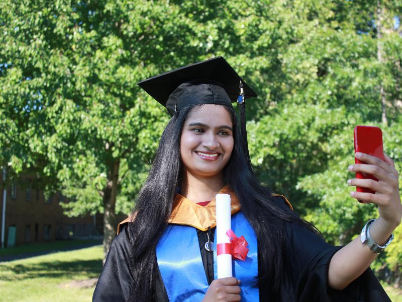 Graduation StageClip