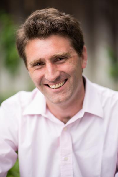 Dr. Eduardo Bunge